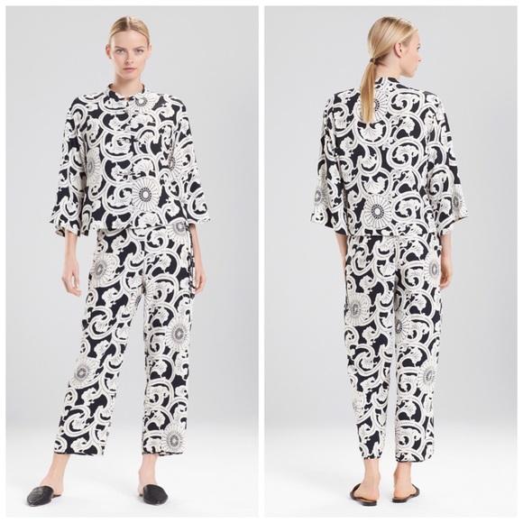 03e404804f Natori Silk Road Pajamas Pj Set Pajama New
